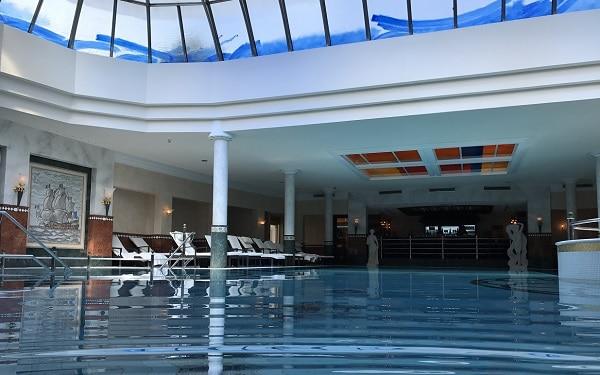 Neubau eines 5-Sterne-Hotel mit Schwimmbad und Wellnessbereich-peg