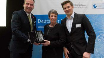Foto-Kältepreis-Gewinner-Heiderbeckund-Barbara-Hendricks